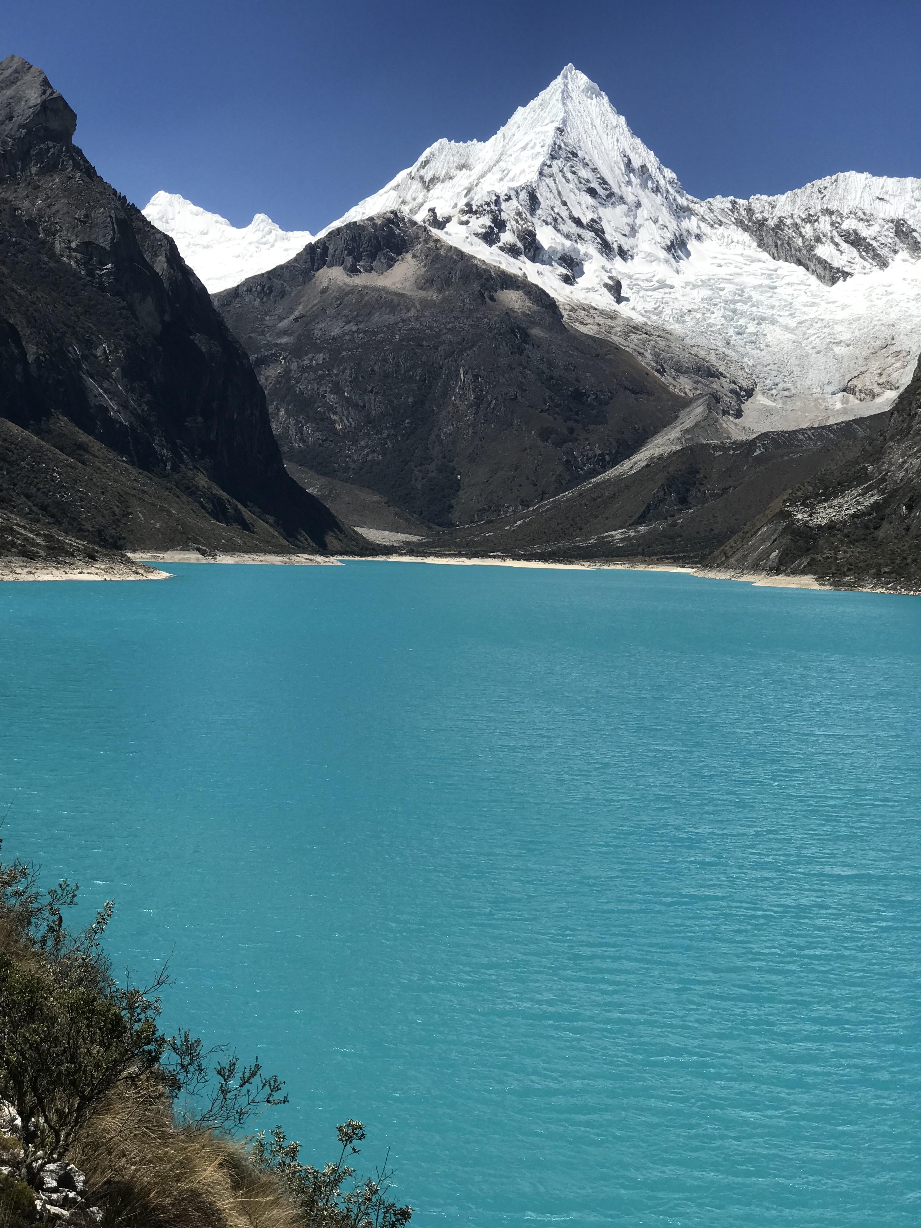 laguna paron with glacier1.jpg