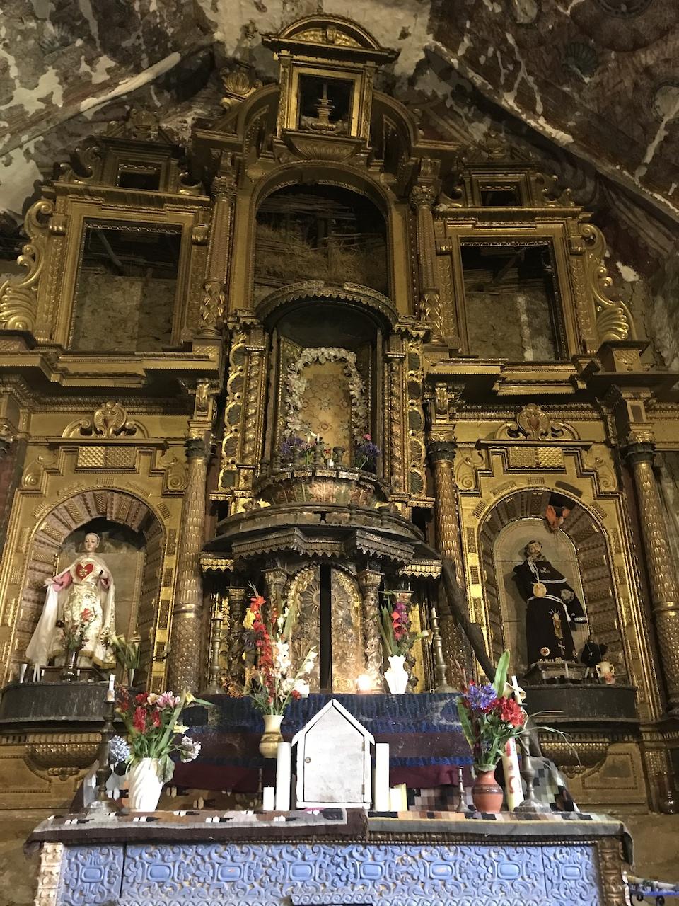 marcapata altar.jpg
