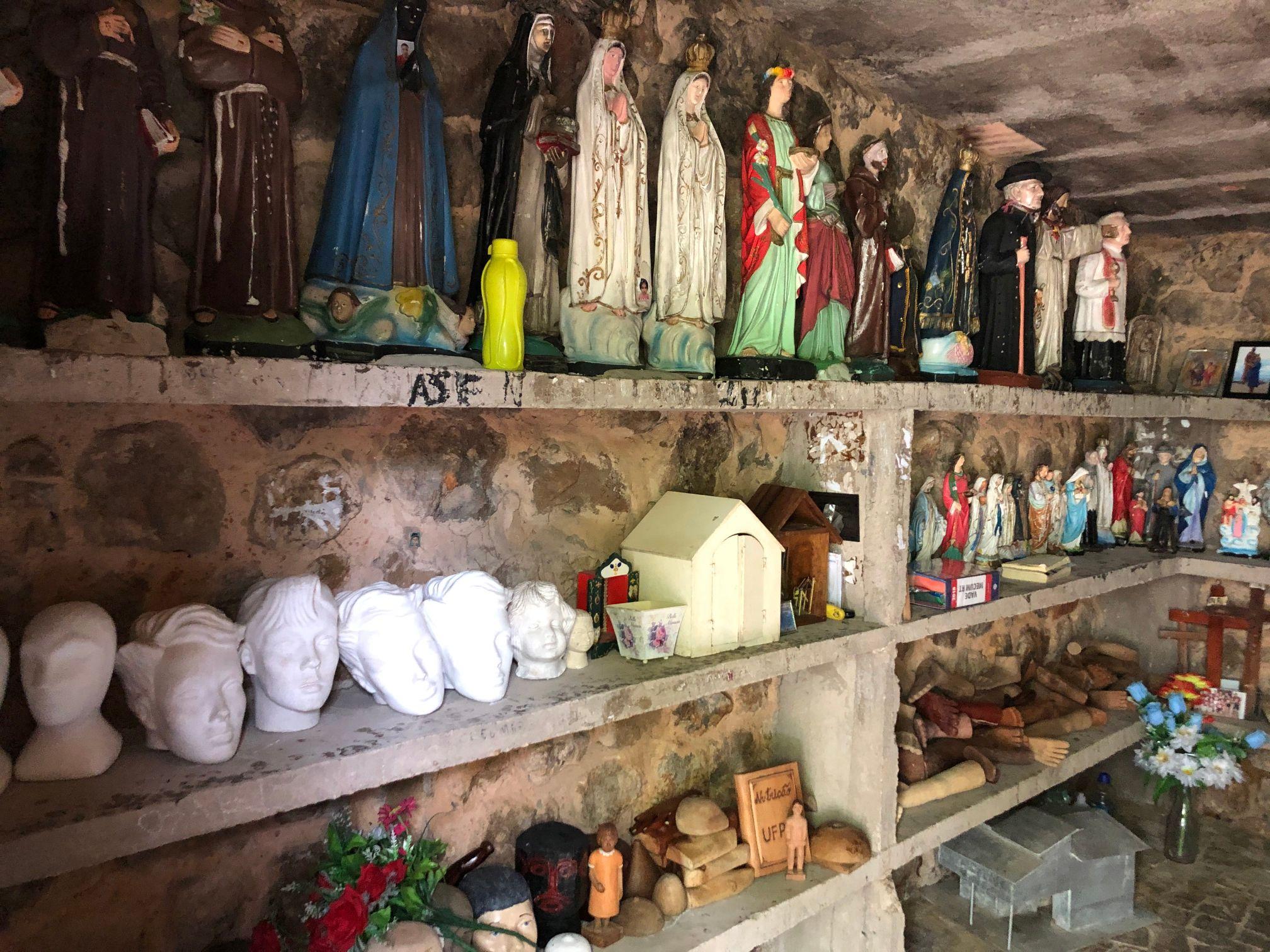 betel shrine effigies