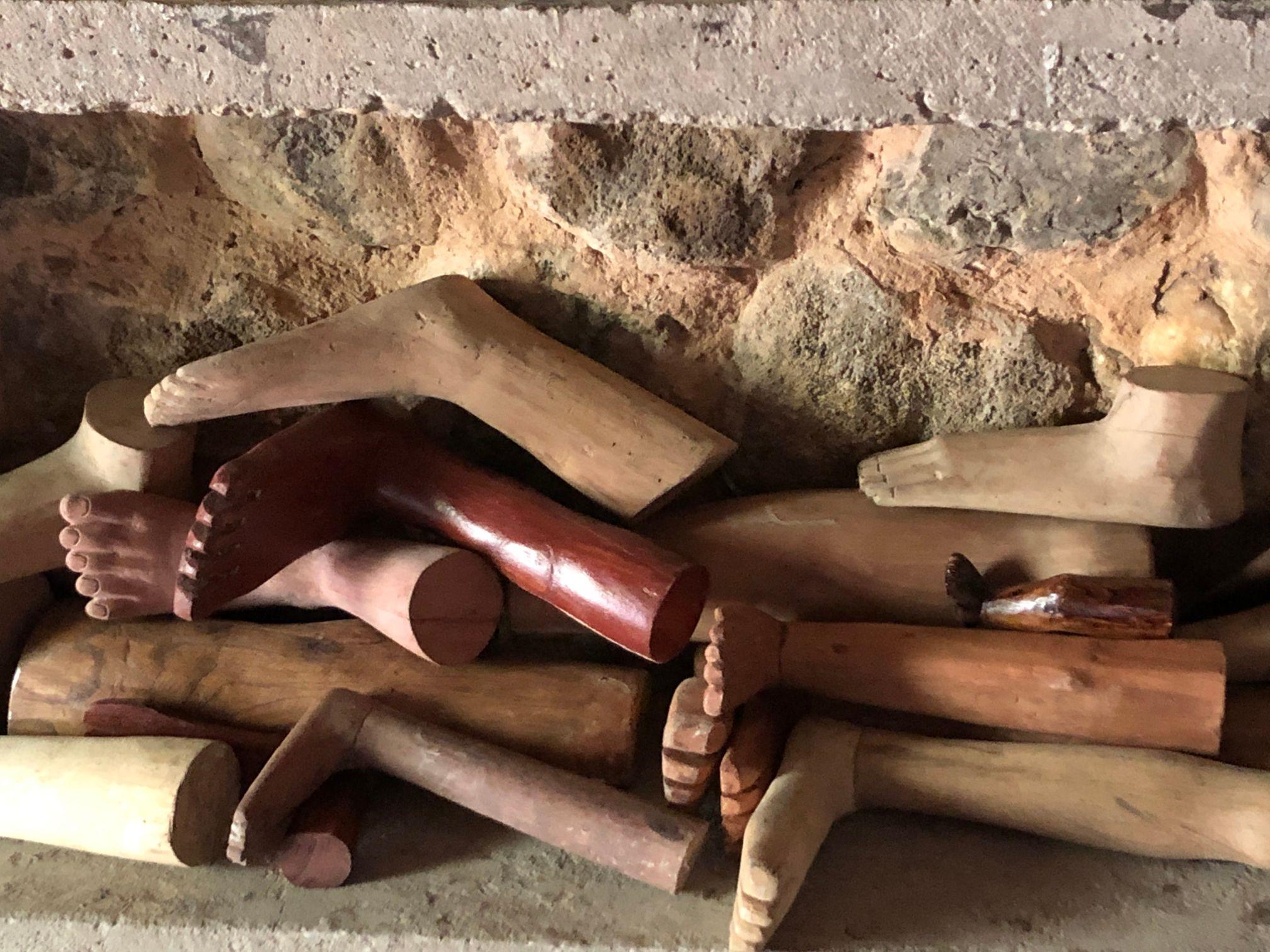 betel shrine legs