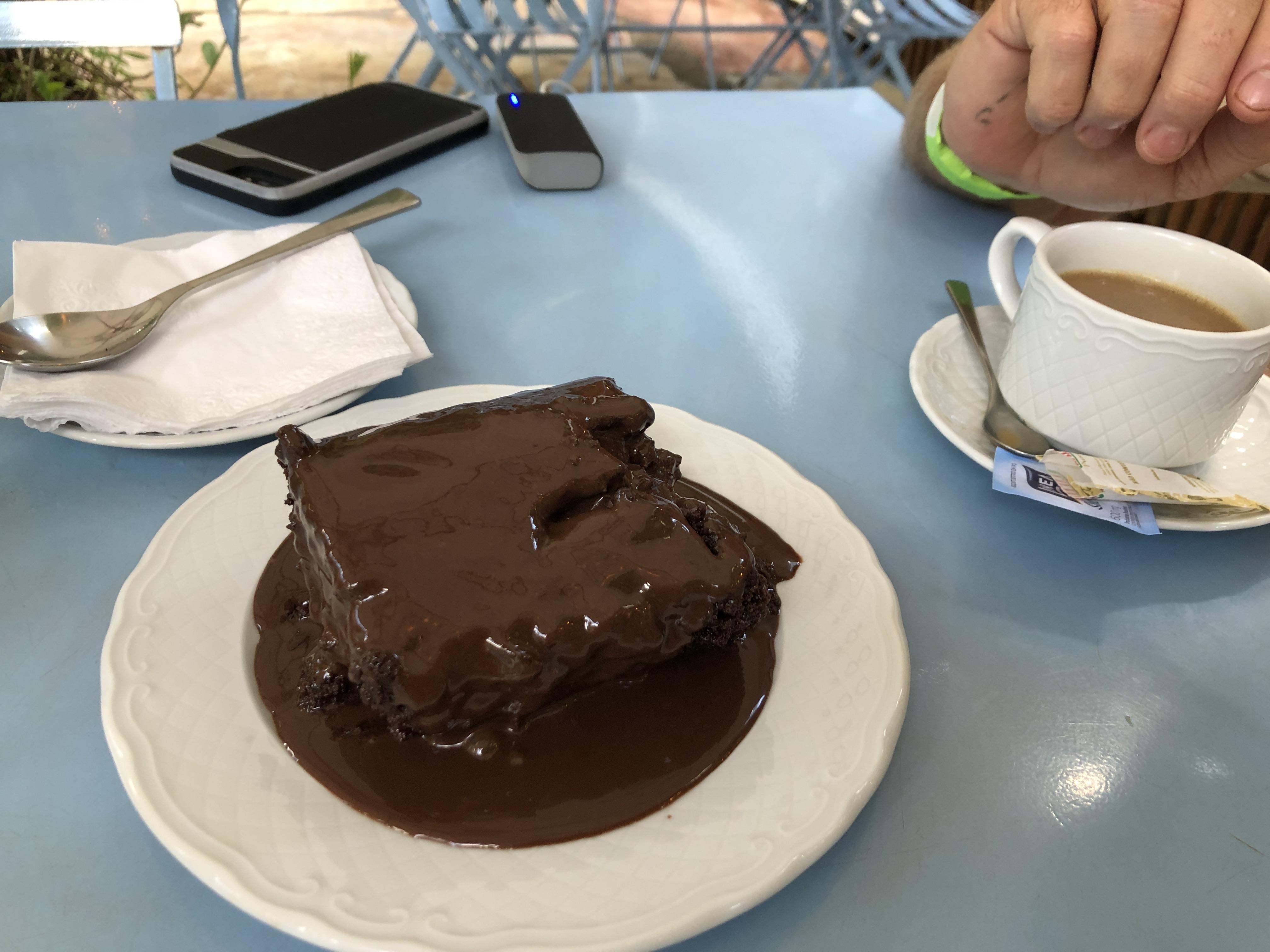 inhotim chocolate cake.JPG