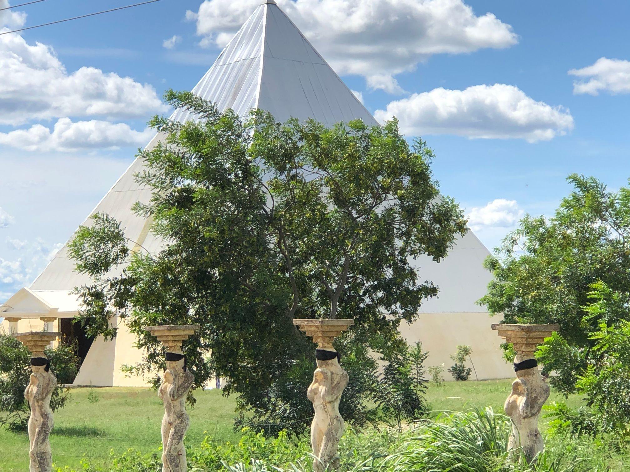 museo pyramid.jpg